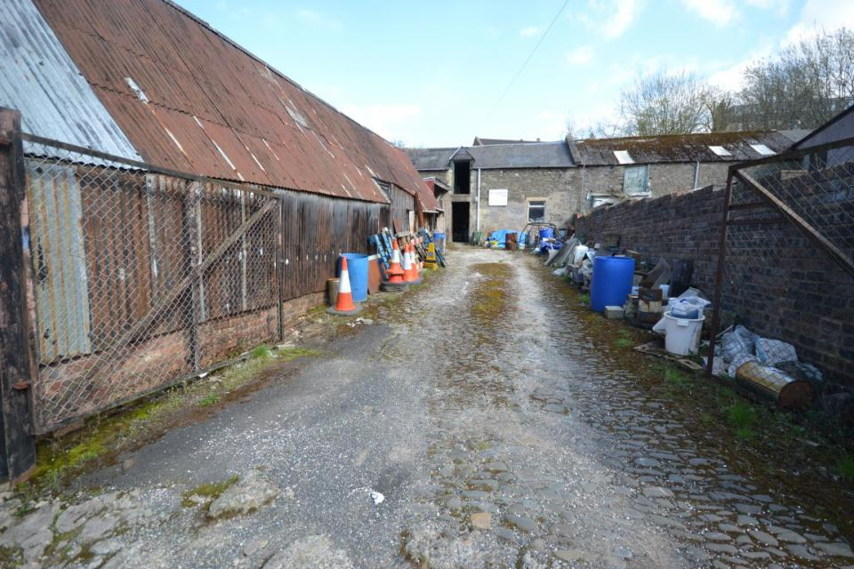 Image of Yard/Garage & Workshop 9 Bourtree Place